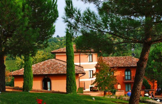 Berta, Relais Al Cambio – feriebolig i Italiens bedste grappa-destilleri