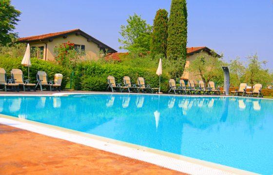 Agriturismo Podere degli Ulivi – Bed & Breakfast i Padenghe Sul Garda