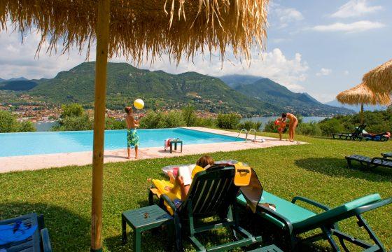 Residence Cascina La Palazzina, Saló – feriebolig ved Gardasøen med smuk udsigt