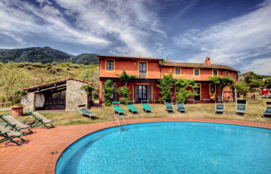 Lucca: Stor villa med pool i Segromigno in Monte