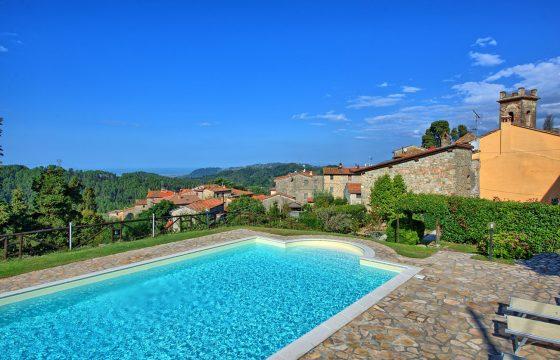 Middelhavet og Viareggio – feriebolig i hyggelig middelalderby