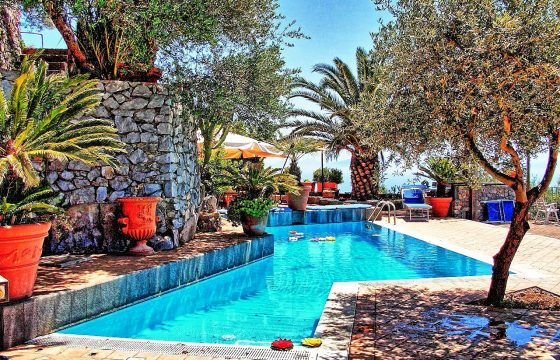 Amalfikysten og Middelhavet: ferieboliger i Furore mellem Amalfi og Positano