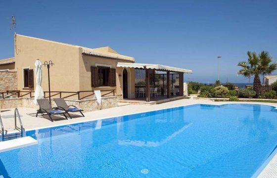Moderne, privat feriebolig m. pool v. Trapani, Monte Cofano og Cornino