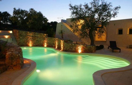Gallipoli, Salento: Trulli med saltvandspool og air condition