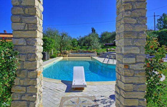Ligurien v. Cinque Terre og Toscana: lejligheder i Montemarcello – lækker pool