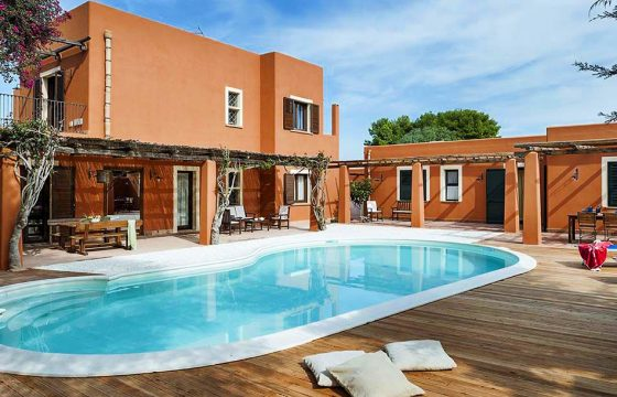 Pool og strand v. Middelhavet: privat villa ved Marsala m. air condition