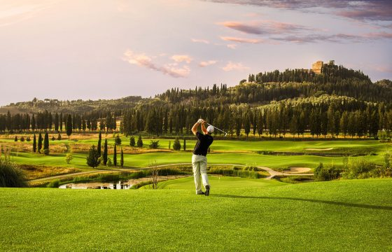 Golf i Toscana: moderne ferieboliger midt i golfbane i Castelfalfi
