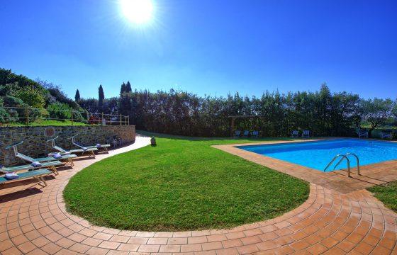 Certaldo nær Chianti: tre lejligheder / privat villa med pool