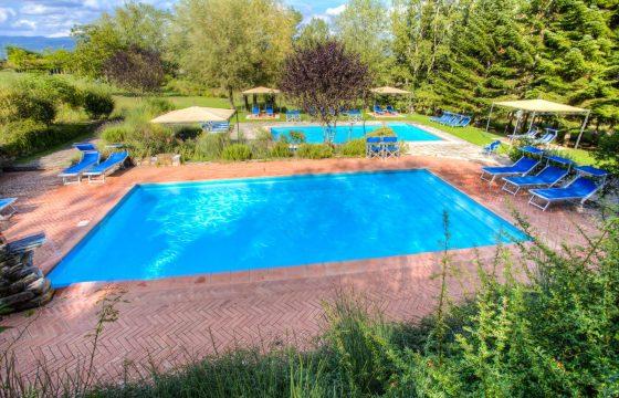 Poppi, Arezzo: Moderne ferieboliger med pool v. Nationalpark Casentino