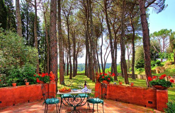 Villa mellem Firenze og Pisa med pool og børnepool