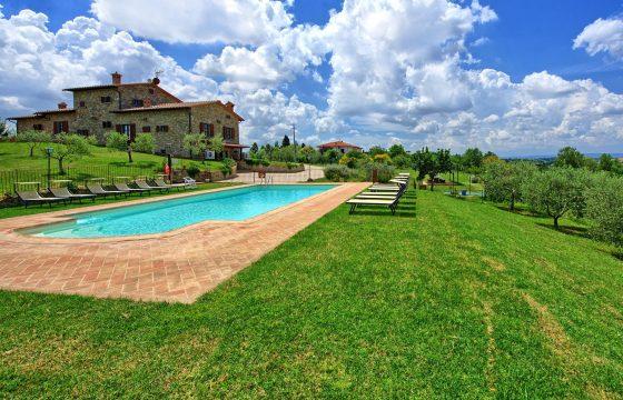 Stor villa med pool og aircondition v. Cortona – let at dele, svær at forlade