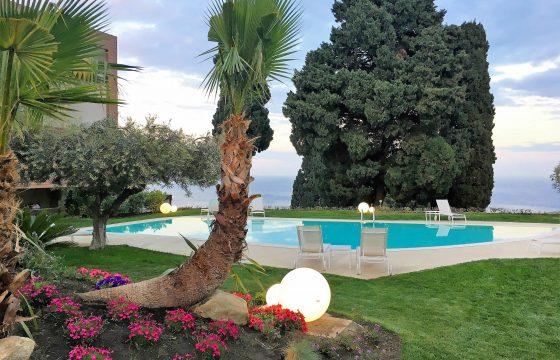 Moderne lejligheder med pool og aircondition i Taormina